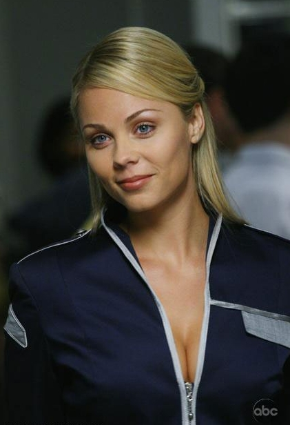 Laura Vandervoort as Lisa in ABC's V.jpg